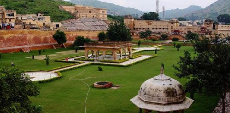 pinkcityroyals_Ram-niwas-garden-3.jpg